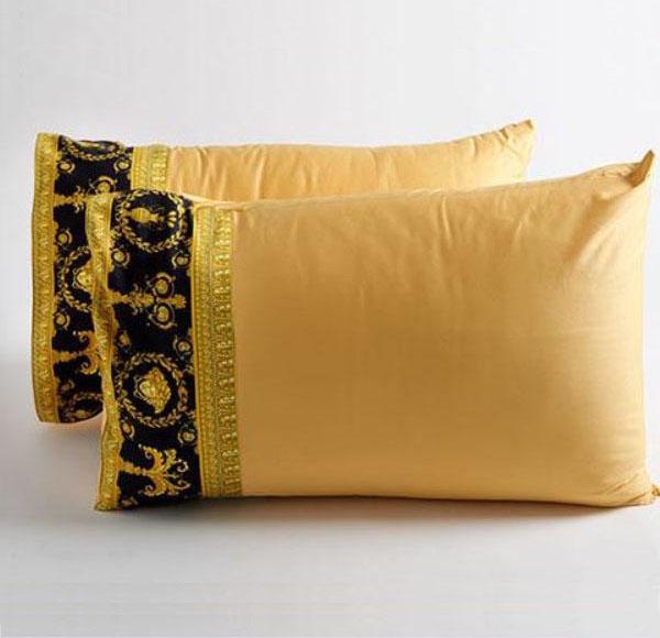 versace barocco robe medusa queen size pillow case set 2 pieces black gold ebay. Black Bedroom Furniture Sets. Home Design Ideas