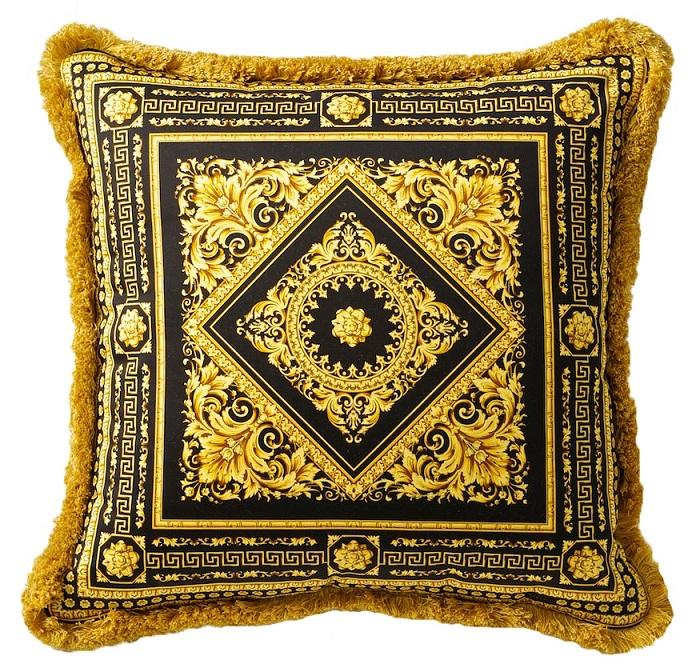 versace barocco carre pillow 19 7 silk black gold. Black Bedroom Furniture Sets. Home Design Ideas